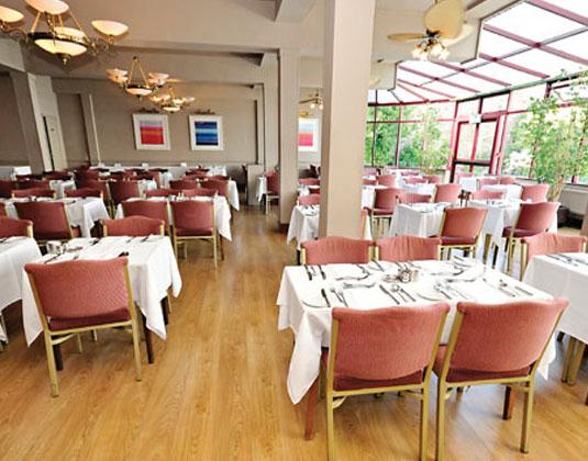 Apollo_Hotel_-_Restaurant.jpg