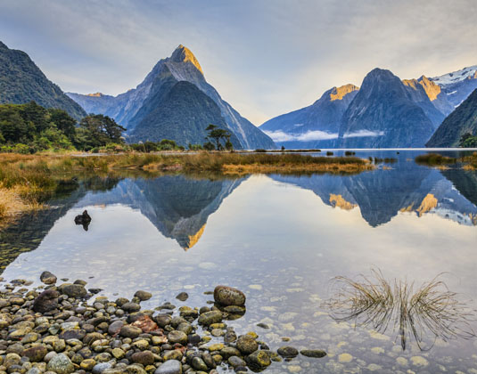 Milford_Sound,_Fiordland.jpg