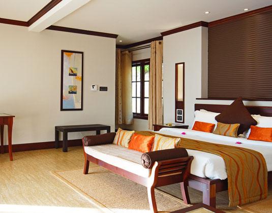 Hotel_LArchipel_-_Deluxe_Astove_Room.jpg