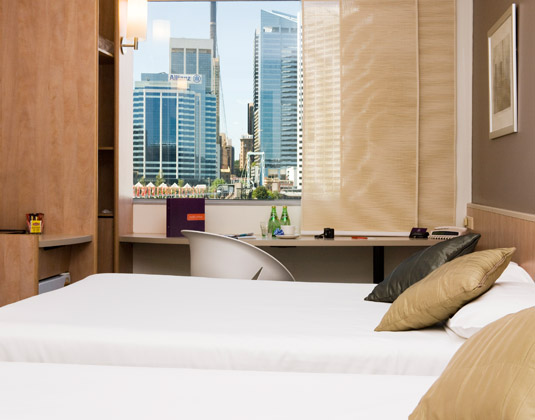 Ibis_Sydney_Darling_Harbour_-_Superior_Harbour_View_Room.jpg