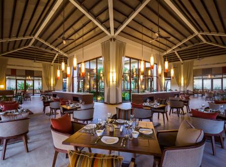 Fusion_Resort_Phu_Quoc_-_Restaurant_2.jpg