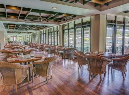Taaras_Redang_-_Restaurant.jpg