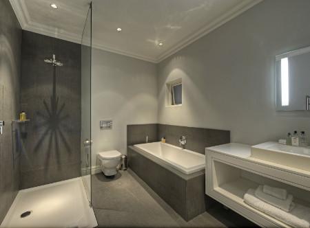 Three_Boutique_-_Luxury_Room_Bathroom.jpg