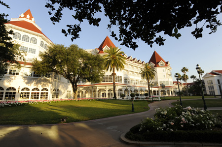 Disneys_Grand_Floridian_exterior_side_view.jpg