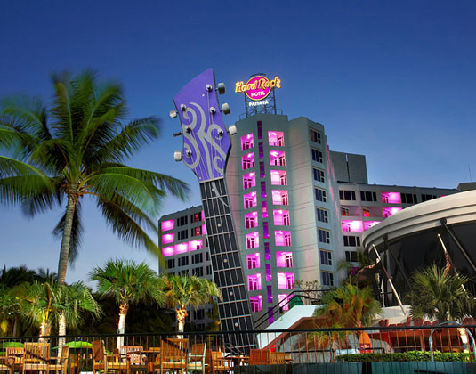 Hard_Rock_Pattaya_-_Entrance.jpg