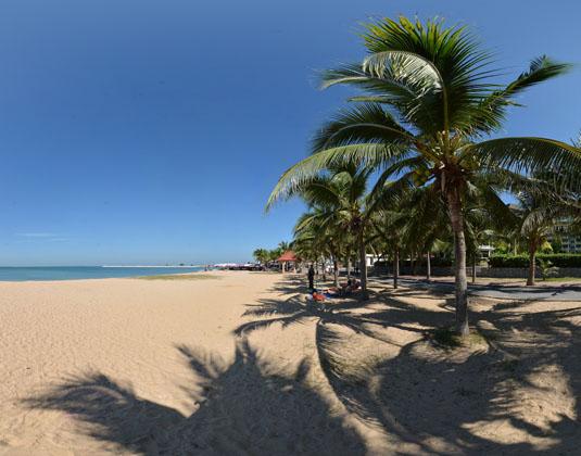X2_Vibe_Pattaya_Seaphere_Residence_-_Beach.jpg