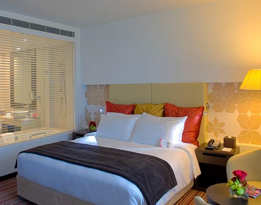Crowne_Plaza_Abu_Dhabi_Yas_Island_-_Sperior_Room.jpg