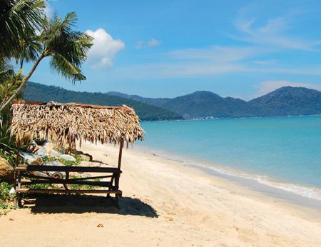 Batu_Ferringhi_beach_Penang.jpg