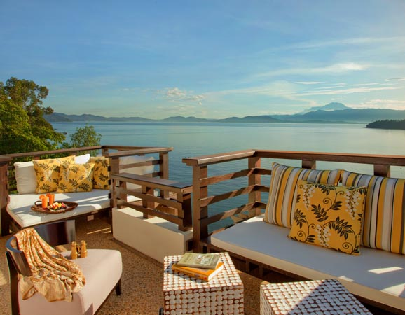 Gaya-Island-Resort_seating-overlooking-sea.jpg