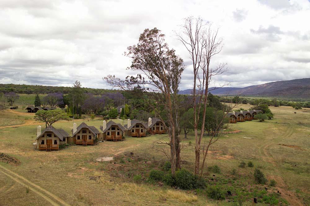 ENT-Hanglip-Mountain-Lodge-Bedroom-Aerial-View02.jpg