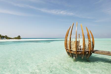 LUX-South-Ari-Atoll_pod.jpg