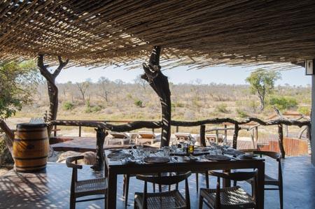 Jock-Safari-Lodge_Main-Jock-Dining-Room.jpg