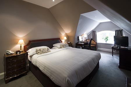 Chateau-La-Chaire_classic-room-11.jpg