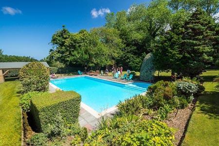 Fleur-du-Jardin_swimming-pool.jpg