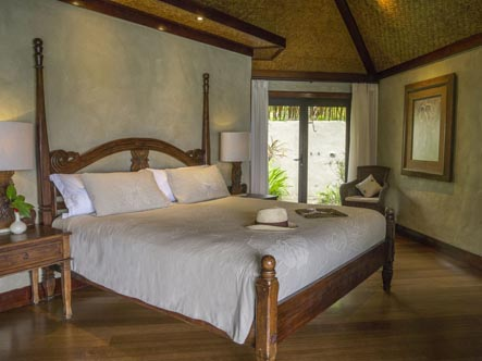 Pacific-Resort-Aitutaki-Ultimate-Beachfront-Villa-3EDITED.jpg