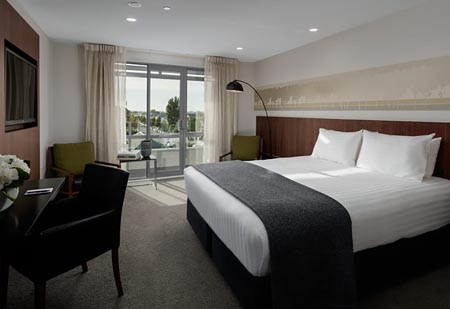 Rydges-Christchurch-superior-room.jpg