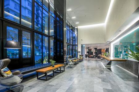 X2-Vibe-Bangkok-Sukhumvit-Hotel_Lobby-1.jpg