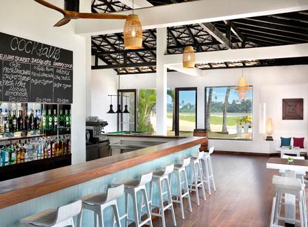 Avani-Kalutara-Resort-Karidiya-Bar.jpg
