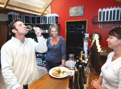 Wine-tasting,-Marlborough.jpg
