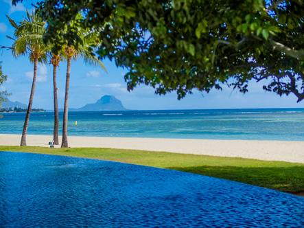 Maradiva_Beach_2.jpg