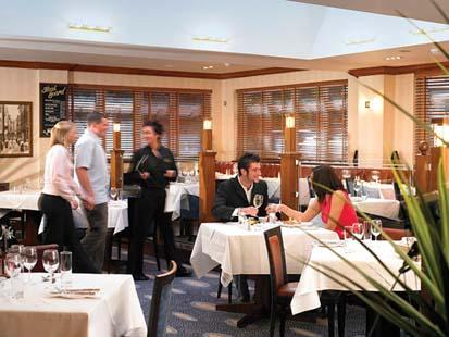 Les_Rocquettes_restaurant.jpg
