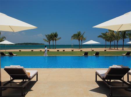Amaya_Beach_Resort_and_Spa_-_Pool.jpg