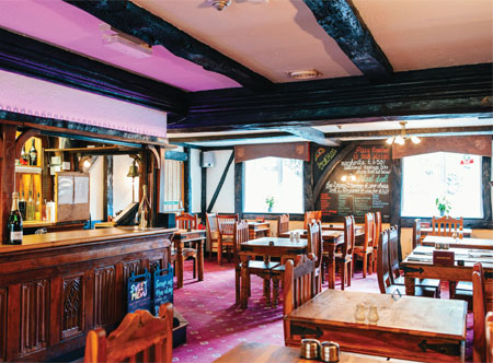 Hougue_du_Pommier_bar_and_dining_area.jpg