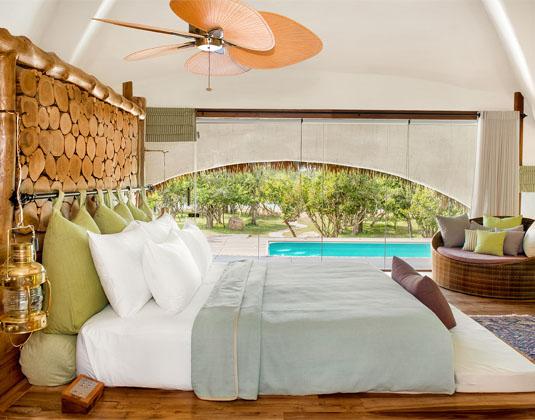 Chena_Huts_Room_with_pool.jpg