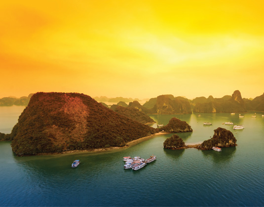 IC_Halong_Bay_Sunset.jpg
