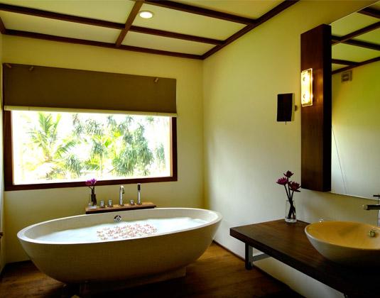 Mermaid_Hotel_and_Club-_Deluxe_Sea_View_Bathroom.jpg