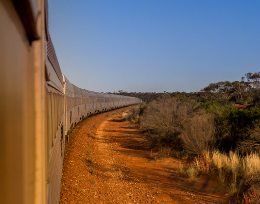 Indian_Pacific_-_travelling.jpg