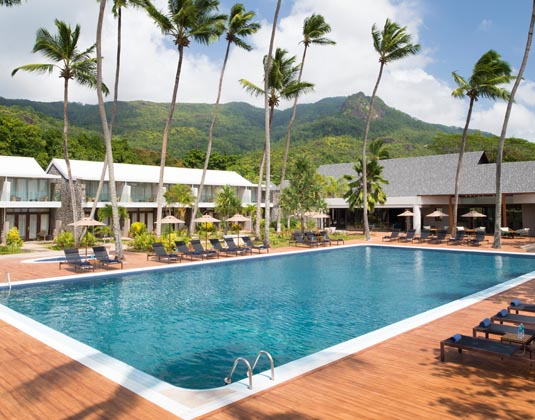 Avani_Seychelles_Barbarons_Resort_-_Swimming_Pool.jpg