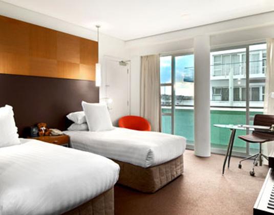 Hilton_Auckland_-_Hilton_Guest_Room.jpg