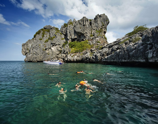 Snorkelling in Angthong Marine National Park