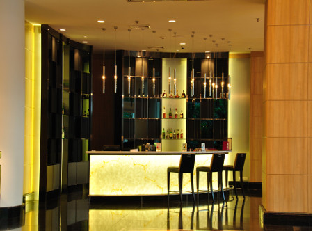 Century_Park_Hotel_-_Lobby_Bar.jpg