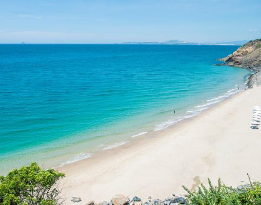 Mia_Resort_Nha_Trang_Beach.jpg