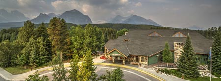 Lake-Louise-Inn_exterior_030.jpg