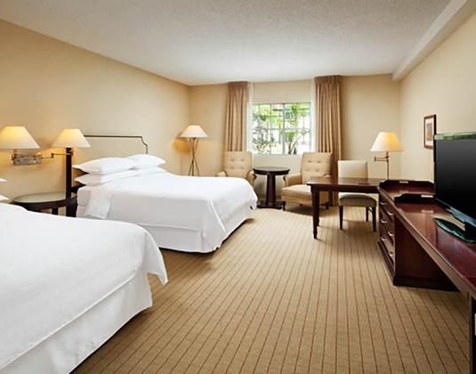 Anaheim_Majestic_Garden_-_Standard_room.jpg