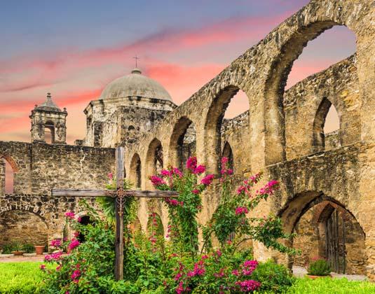 Classic_Texas_Mission_San_Jose_in_San_Antonio,.jpg