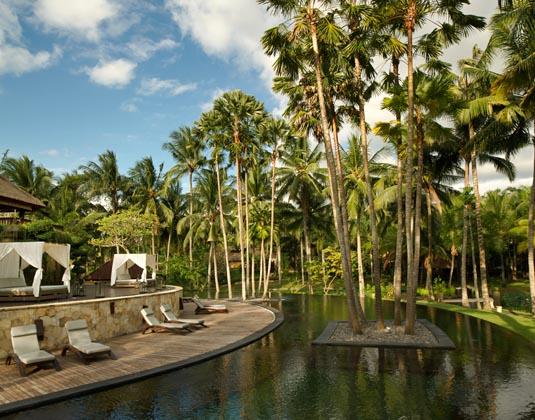Ubud_Village_Resort_-_Main_Pool.jpg
