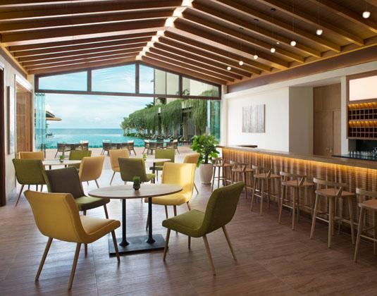 Dusit_Princess_Moonrise_Beach_Resort_-_Bar.jpg