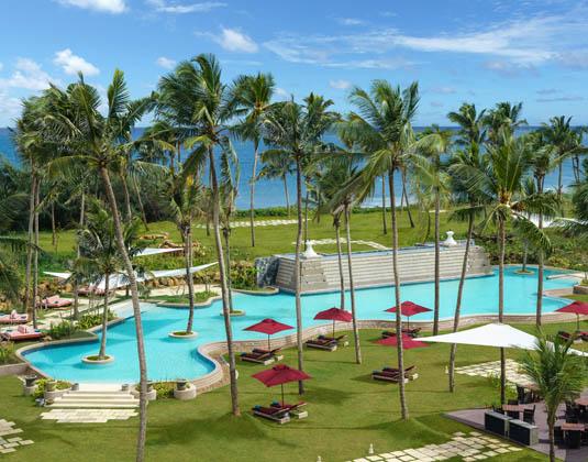 Shangri-Las,_Hambantota_Golf_Resort_and_Spa-_Lagoon_Pool.jpg