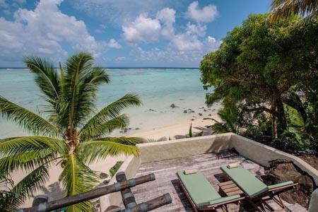 Pacific-Resort-Aitutaki-Ultimate-Beachfront-Villa-Deck.jpg