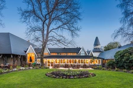 DTbH_Chateau_on_the_Park_Christchurch_Exterior_HR.jpg