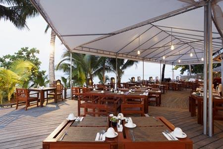 Centara-Koh-Chang_seabreeze-restaurant-and-bar-01.jpg
