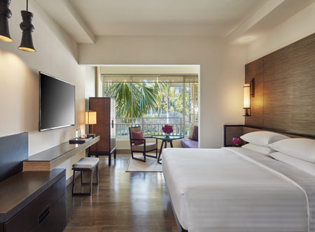 Hyatt-Regency-Hua-Hin_16-Regency-Club-Room-King.jpg