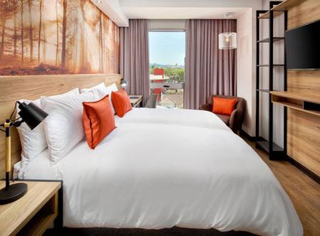 Protea-Hotel-by-Marriott-Pretoria-Loftus-Park_guest-room.jpg