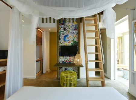 Veranda-Tamarin-Comfort-Family-Room.jpg
