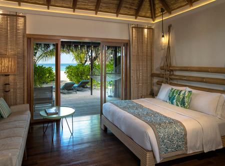 Constance-moofushi-maldives-2021-bs-beach-villas-02_hd.jpg