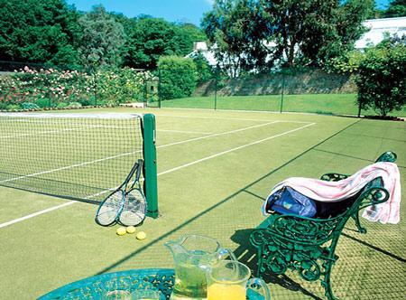 Longueville-Manor_Tennis.jpg